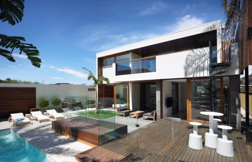 Deluxe Resort Type Garden Atmosphere Modern House